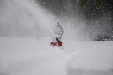 一人暮らしの年寄りが使う雪かき機はちゃんと選ばないと失敗する